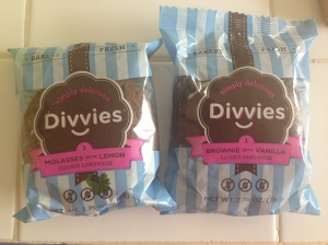 two cookie sandwiches from Divvies -- why didn't I get more?